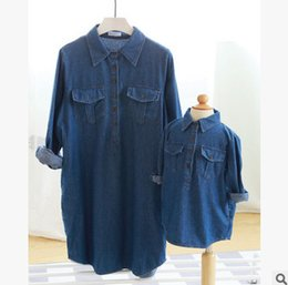Wholesale Womens Long Denim Dresses - Mother and dauther jeans shirt kids long sleeve lapel denim princess tops coat womens double pocket cowboy dress shirt family clothes R0060