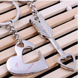 Wholesale Arrow Holder - 1 Pair Fashion Couples Keychain Promotion Cupid S Arrow Of God Lovers Keychain Heart Shape Key Ring Gift Keyring Holder Finder
