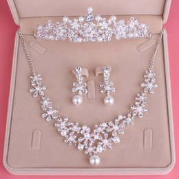 Wholesale Cheap Fashion Jewelry Rings - Fashion Luxury Bridal Jewelry Rhinestone Pearl Necklace Crown Earrings Wedding Dresses Cheap Free Shipping Wedding Accessories Three Pieces