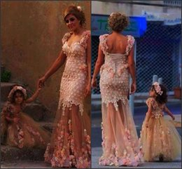 Robe de mère rougir en Ligne-Blush belle fille fleur robes robes mère et fille sweetheart avec des sangles 3D fleurs florales Voir à travers des robes de soirée jupe BO7209