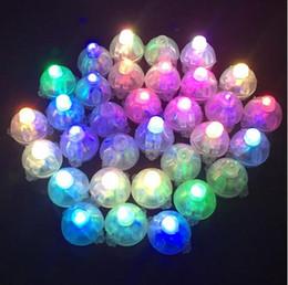 Flashing led balloon lights new en Ligne-400 Pcs DHL Blanc Ronde Led Ball Lampes Ballon Lumières Multicolore RVB Flash Lumières pour la Fête De Mariage Décoration 6 Couleurs 2016 Nouveau