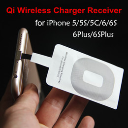 Deutschland Tragbares Qi-Ladegerät Drahtloser Empfänger Drahtloser Ladeadapter Empfänger für iPhone 6/5 / 5s / 6 Plus Samsung HTC Micro-USB-Telefon cheap apple iphone 5s portable charger Versorgung