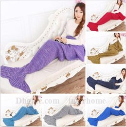 disfraz de sofa Rebajas Mermaid Tail Blankets Knit Crochet Mermaid Mantas Mermaid Tail Handmade Saco de dormir Sofá Nap Mantas Costume Cocoon Mattress B1173