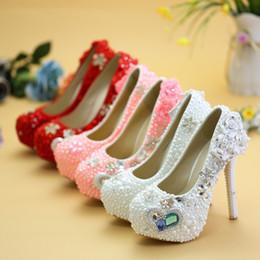 Zapatos rosados de la boda del diamante del rhinestone online-Blue Diamond Pink Pearl ceremonia de los zapatos de tacón alto de la boda zapatos de adulto partido de la bola del nuevo diseñador del Rhinestone de la graduación de fin de curso Bombas