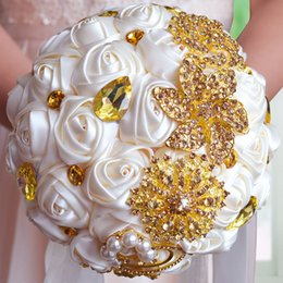 Wholesale Bouquet Pearls - Wholesale-Gorgeous Gold Brooches Wedding Bouquet Silk Roses Bridal Bouquet Rhinestones Colorful Bride 's Bouquet with pearl FE10