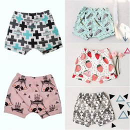 baby rüsche blüht rosa Rabatt Neue Ankunfts-nette Säuglingsbaby-Sommer-Kurzschluss-Unterseiten-Schlüpfer-Sommer-beiläufige Kurzschlüsse Bloomers Hot Pants Shorts