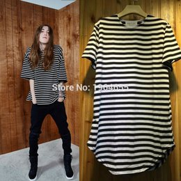 Wholesale 2016 latest TOP fear of god men s black white Red Striped t shirt hiphop extended curved hem cotton tee label M XL Mixed order