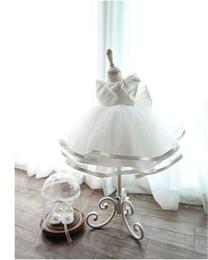 Платья девушки цветка быстрой перевозкы груза онлайн-Слоновая кость бальное платье девушки цветка платья на складе быстрая доставка Атлас с органзы бальное платье Первое причастие платья дешевые