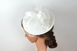 Wholesale Bridal Sinamay - White Luxury Wedding Hats For Women Cheap Hair Accessories 2017 Vintage Lace Bridal Hats With Beaded In Stock Wedding Hat Veils