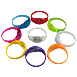 Wholesale Light Up Bracelet Kids - Sound Controlled LED Light Up Bracelet Activated Glow Flash bracelet Glow Bracelets LED Wrist Band IC698
