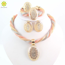 Wholesale gold oval necklace - Women Dubai Vintage Luxury Crystal Oval Design Necklace Earrings Rhinestone Wedding Bridal African Costume Jewelry Sets