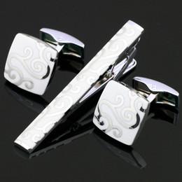 valentinsgrußbindungen Rabatt Krawattenklammer Manschettenknöpfe Set Herren Schmuck Edelstahl Valentine Geschenk Versilbert Mode Weiße Krawatte Verschlüsse Manschettenknopf Sets Z-001