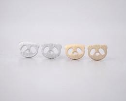 2016 новая мода панда серьги, милые животные медведь серьги женщины Оптовая бесплатная доставка фестиваль Лучший подарок cheap earrings bear от Поставщики серьги медведь