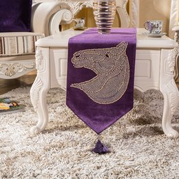 Wholesale Clean Horse - Europe Luxurious Style Table Runner with Tassel Simple Style Horse Head Printed Easy to clean Non-slip Heat Insulation