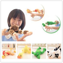 Wholesale Wholesale Stuff Monkeys - New Fashion Flying monkey screaming flying Finger Toys slingshot monkey Plush Toys Novelty Toy Free shipping B0783