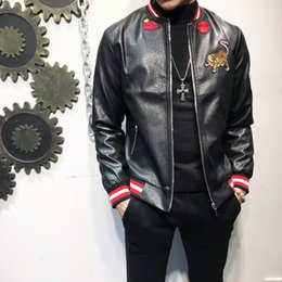 Wholesale Qiu Dong Man - European station qiu dong male personality 100 classic fashion trend repair baseball collar thread tiger embroidery PU leather clothing