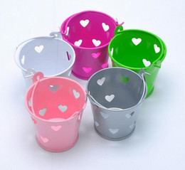 Wholesale Tin Buckets Favors - Free Shipping 100pcs Colorful Heart Hollow Out Tin Pails Mini Bucket Wedding Candy Box Casamento Chocolate Favors Boxes