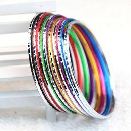 Brand New 100 PCs Multi-Couleurs Belle Mode Femmes Aluminium Mixte Styles Bijoux Bracelets Bracelets en gros beaucoup de travail ? partir de fabricateur