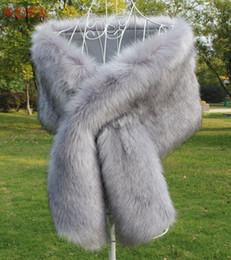 2019 chaqueta de perlas de novia 2018 Nupcial Wraps Precio barato Piel de imitación Invierno Boda Wraps En stock Colores de alta calidad disponibles Accesorios de boda Mantón barato