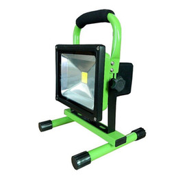 Wholesale Led Floodlight Car - Best 900lm portable floodlight Led 10w Rechargeable flood light IP65 Warm white white For outside Camping lamp with car charger