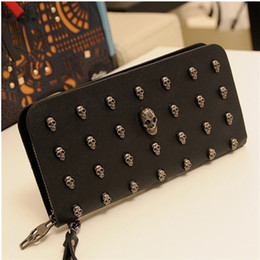 Wholesale Korean Hand Bag Totes - 2017 New Manufacturers Wholesale Korean Men And Women Creative Long Wallet Retro Punk Skull Hand Bag Free Shipping