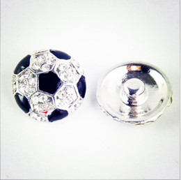 Wholesale Jewerly Links Wholesale - 2016 Hot European Cup Soccer Netherlands 20mm Noosa Snap Button Buckle Diamond Clasp Buckle Peach Heart Diy Charm Button Jewerly Bracelets