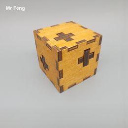 Caja cruzada Juguetes de madera Juguetes clásicos Kong Ming Lock Puzzle para niños desde fabricantes