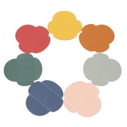 Sobres de colores online-Venta al por mayor-50pcs / set encantador colorido pequeño color de la perla en blanco Mini papel sobres de la boda de la invitación del sobre dorado del sobre DIY Crafts