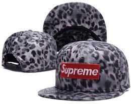 Wholesale blending stamp - 2017 2018 new fashion Snapbacks sports caps men and women Leopard Serpentine stamp baseball football hats free shipping