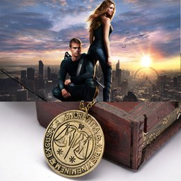 Wholesale Divergent Jewelry - Movie Jewelry Divergent Necklace Vintage Dauntless Candor Erudite Amity Abnegation Antique Bronze Pendant Charm Necklaces Free Shipping