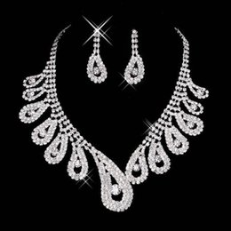 Wholesale Cheap Wedding Jewelry For Brides - 2016 Cheap Bling Crystal Bridal Jewelry Set silver plated necklace diamond earrings Wedding jewelry sets for bride women Bridal Accessories