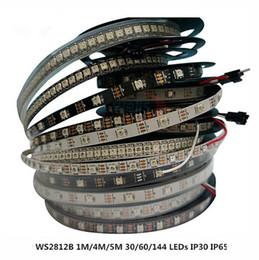 Schwarzes licht geführtes band online-WS2812B Smart led band streifen, Schwarz / Weiß PCB, 30/60 leds / m 5 V IC WS2812 IP30 / IP65 / IP67 wasserdichte led outdoor weihnachtsbeleuchtung