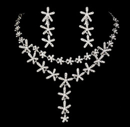 festa de aniversário das decorações do diamante Desconto Elegante Romântico Flor Da Noiva Decoração De Cristal De Diamante Colar De Casamento Brinco vestido de noite vestido de festa de presente de aniversário HT117