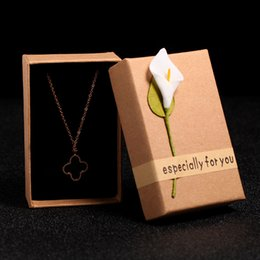 Wholesale Jewelry Holders For Necklaces - Wholesale Luxurious Jewelry Boxes Pendant Holders Necklace Gift for Women jewelry Necklace Packaging Girls Gift Giving JB0022