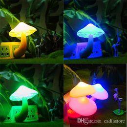 usb привел змеиный свет Скидка Грибной светодиодный ночной светильник Романтический светоуправляемый датчик лампы США Plug Cute E00193 SMAD