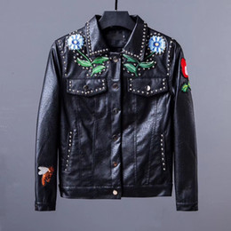 Wholesale Floral Designs Patterns - New Fashion Design Embroidery Unisex Bomber Jacket Little bee Men coat PU Leather Motorcycle Pilot Jackets fur clothing Men leather clothing