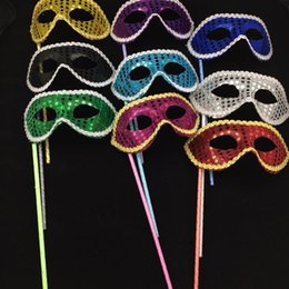 Wholesale Masquerade Masks Sticks - New Simple Party Masks Stick Sequin Handheld Mask Halloween Venetian Masquerade Dance Party Half Face Masks For Women