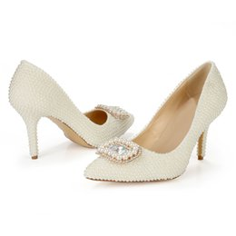 Wholesale Ivory Closed Toe Bridal Shoes - New Arrival 2016 Women's Classic Pearls Party Dancing Pumps Closed Toe Med Heels Rhinestones Ivory Bridal Shoes
