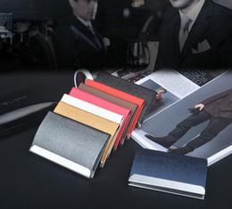 Tarjetas de visita grandes online-Nombre de la empresa titular de la tarjeta de crédito titular de la tarjeta de gran capacidad de moda unisex visita tarjeta de la caja de metal de la carpeta de cuero caja de acero sólido