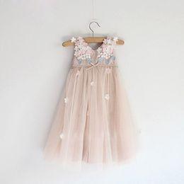 Wholesale High End Girls Dresses - new spring and summer 2016 high-end girls dress lace flower flower princess dress yarn skirt factory direct sale