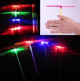Wholesale Plastic Bamboo Dragonfly - Free Shipping 1200pcs LED Light Novelty Plastic Bamboo Dragonfly Propeller Outdoor Toy Kids Gift Flying YH106