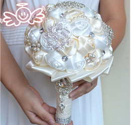 Wholesale Bouquet Flowers - 2017 Newest Wedding Bridal Bouquets with Handmade Flowers Peals Crystal Rhinestone Rose Wedding Supplies Bride Holding Brooch Bouquet