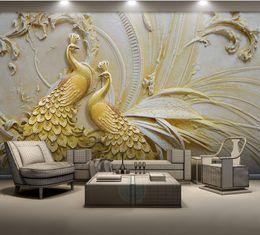 Wandgröße wandmalereien online-Benutzerdefinierte 3d Tapeten für Wohnzimmer für Wände für Wohnzimmer Geprägte goldene Pfau 3d Wandbild Tapete-Roll-Größe