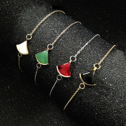 Pietra perla di madre nera online-settore bianco madreperla nero agata rossa pietra naturale braccialetti di fascino per le donne di alta qualità gioielli in acciaio inox 316l moda calda