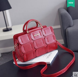 Wholesale lady d handbag - 2016 Hot Sale Shoulder Bags Black New Trend Version of Lady Bags, Handbags, Fashion Bag, Leisure Bag. Size Has Two Kinds of Specifications.