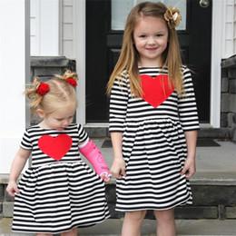 Детские платья с надписями