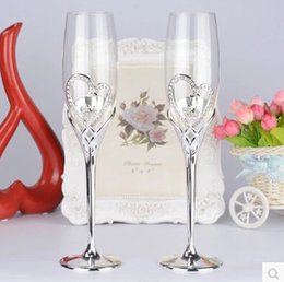 Wholesale Goblet Crystal Glass - 1 pair Wedding ring design champagne flute with crystal in pair, red wine   champagne glass creative   wedlock wedding gift  goblet