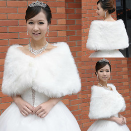 Wholesale Winter Wedding Dress Faux Fur - 2017 Winter Pearls Brooch Faux Fur Wedding Dress Shoulder Accessories Bridal Bolero Ivory Jacket Shawl Free Shipping Cheap