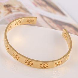 Wholesale Top qualité et marque en laiton matériau amour punk réglable ouvert creux bracelets en cm Design Bracelet Manchette Bouton de manchette Envoyer Femmes et mothe