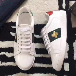 Wholesale Embroidered Buckles - Fashion White Genuine Leather Luxury Brand Embroidered Flat Casual Shoes Lady Red Green Shoes White sneakers 35-44